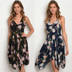 Dresses & Skirts - Floral summer dress, backless sides, flowy floral
